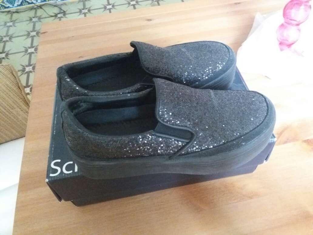 Imagen Zapatos negros con purpurina