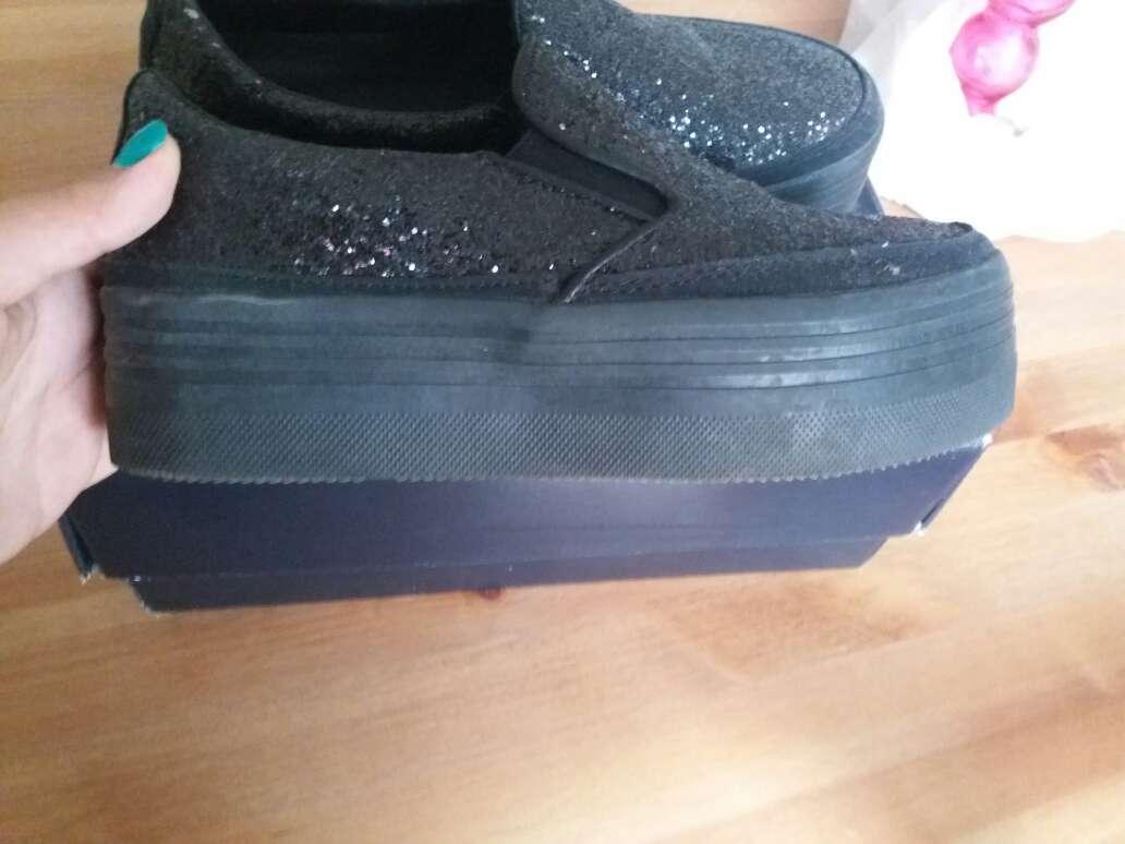 Imagen producto Zapatos negros con purpurina  3