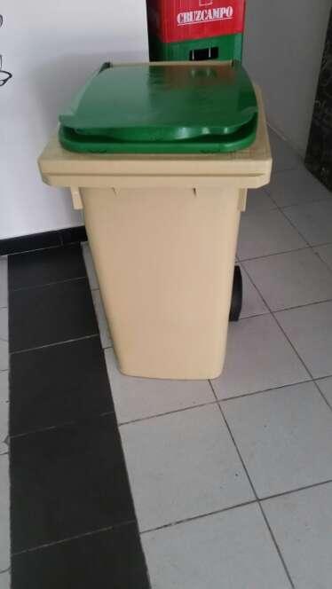 Imagen cubo basura hosteleria