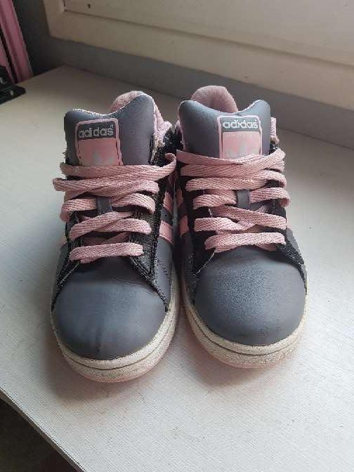 Imagen producto Deportivas Adidas grises y rosas  2