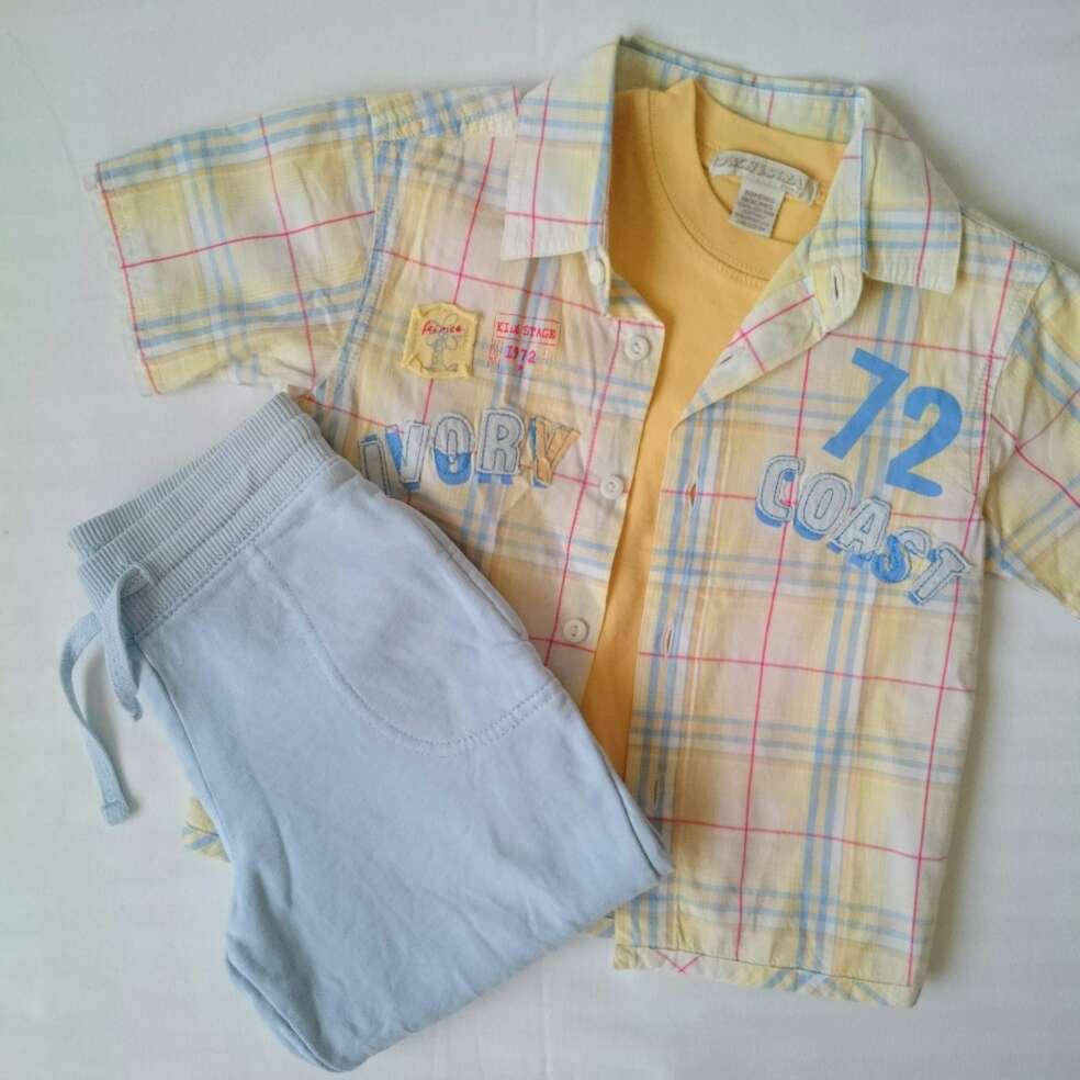 Imagen Camisa amarilla y Pantalón celeste