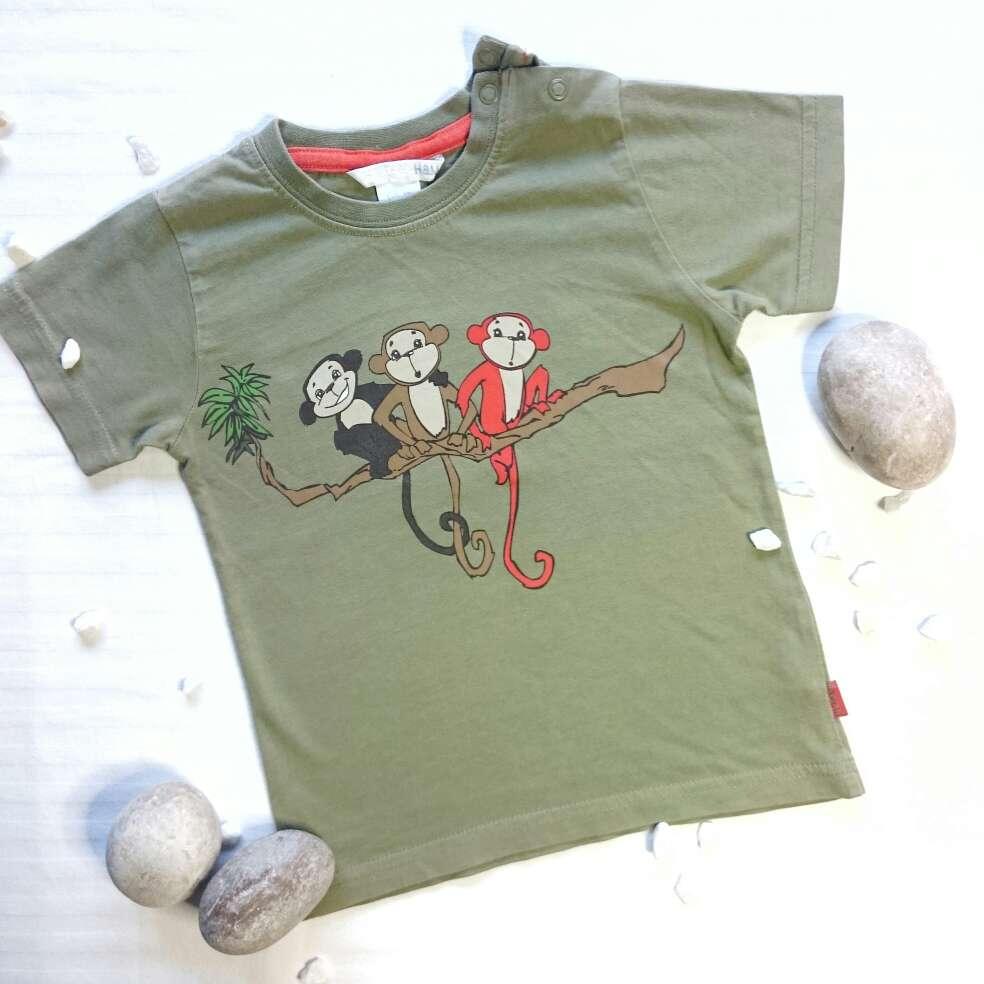 Imagen producto Camiseta monos y Pantalón caqui  4