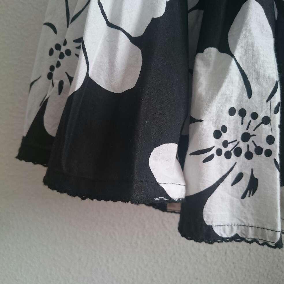 Imagen producto Falda flores blancas  2
