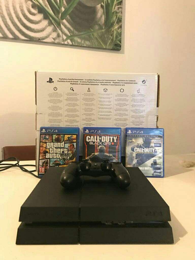 Imagen producto PS4 + 4 videojuegos 1