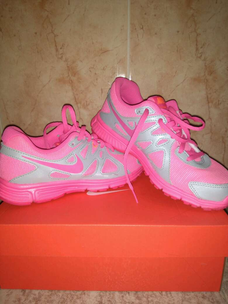 Imagen Bambas Nike revolution 2GS