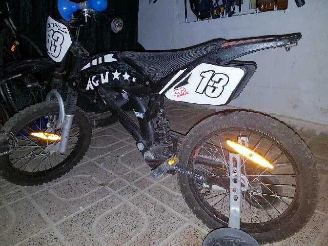 Imagen bicicleta moto bici