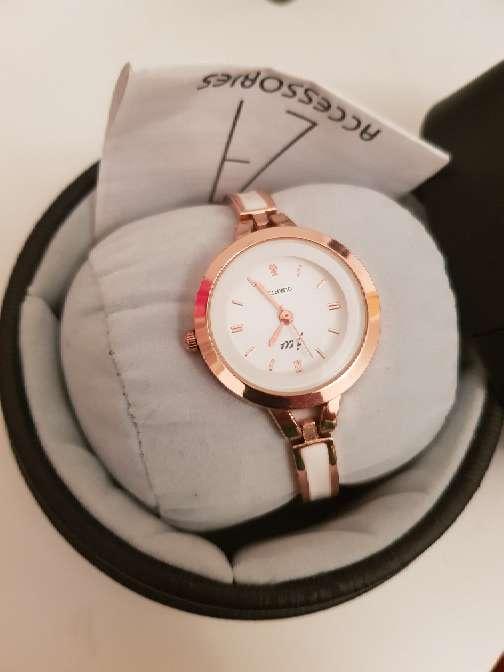 Imagen reloj pulcera de moda
