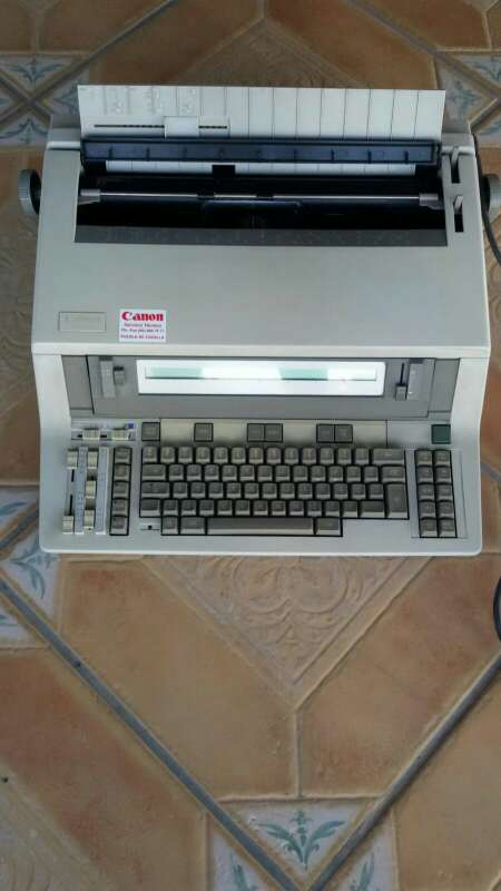 Imagen producto Maquina de escribir 1