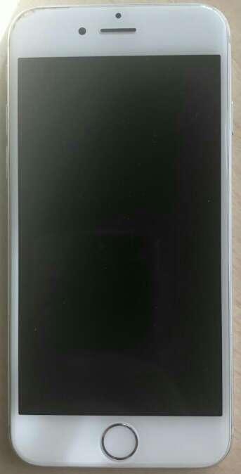 Imagen producto IPhone 6 plata 1