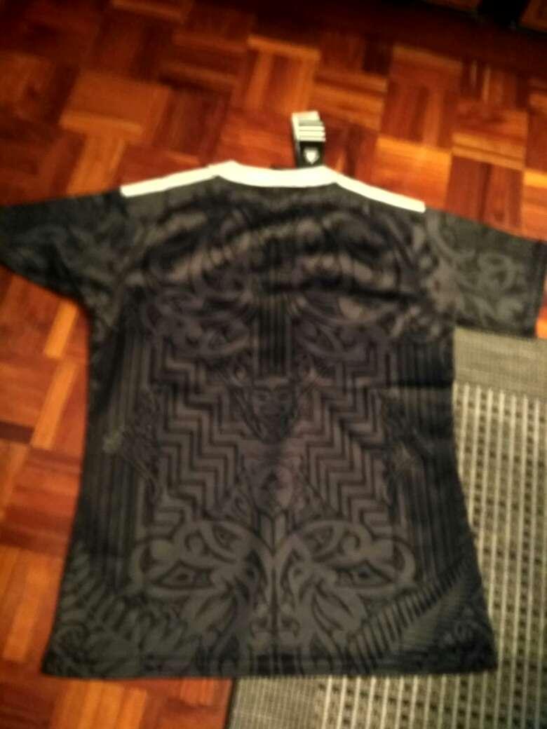 Imagen producto Camiseta all black 2