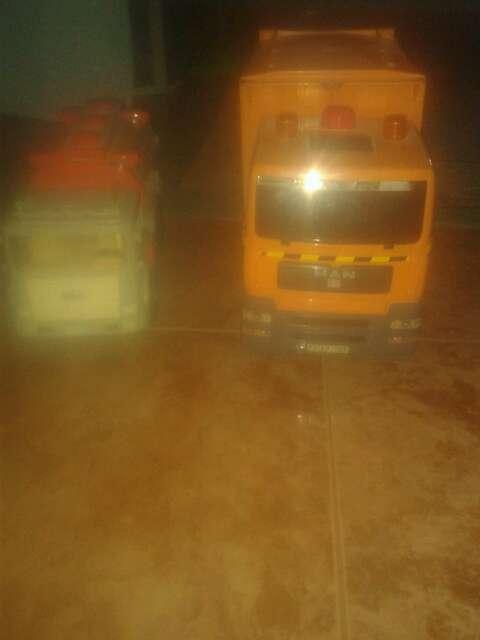Imagen Camiones De Juguetes Con Cubo De Basura