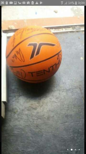 Imagen producto Balón de baloncesto firmado  4
