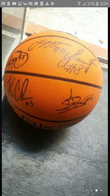 Imagen producto Balón de baloncesto firmado  3
