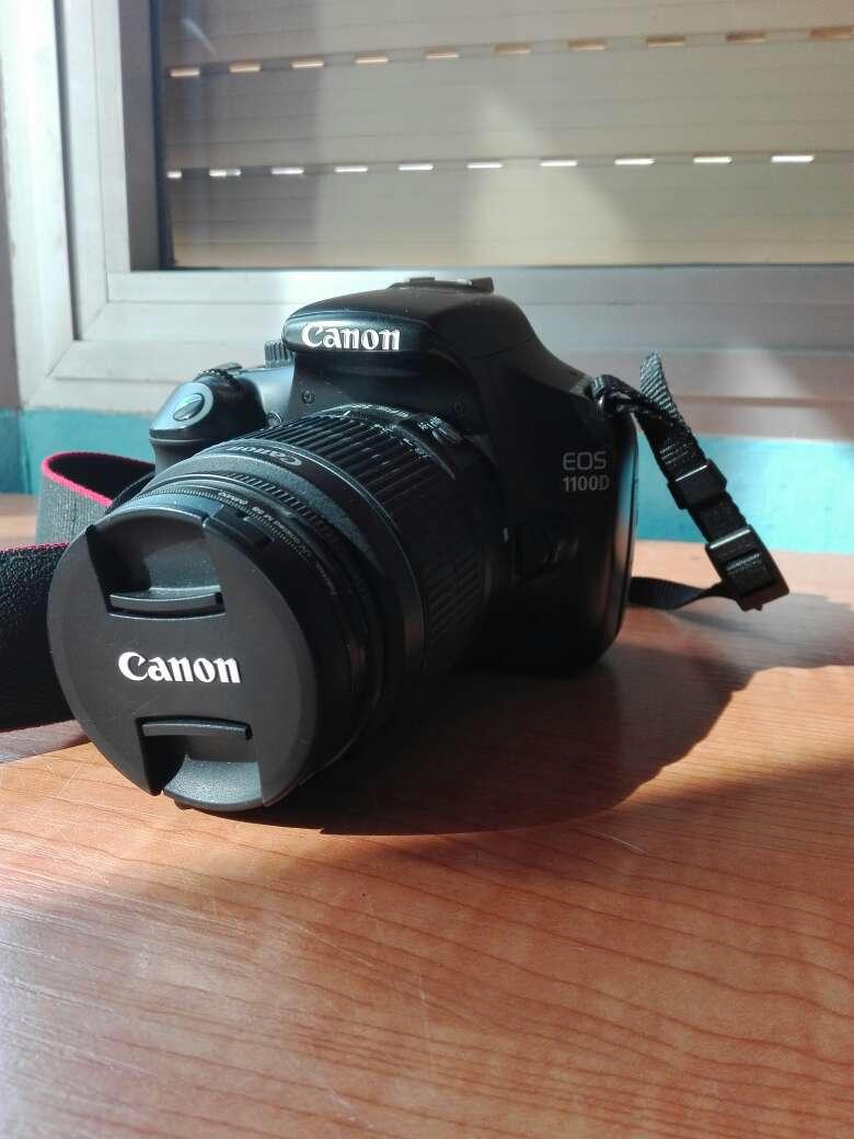 Imagen Camara reflex  Canon eos 1100D