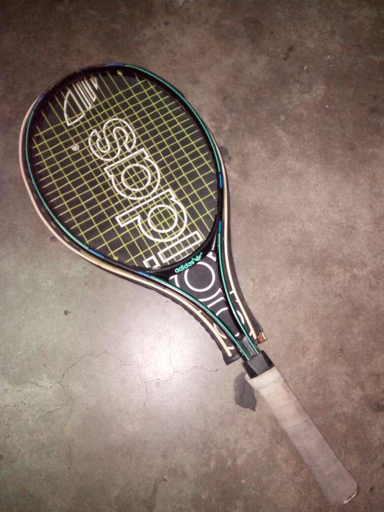 Imagen raqueta tenis adidas