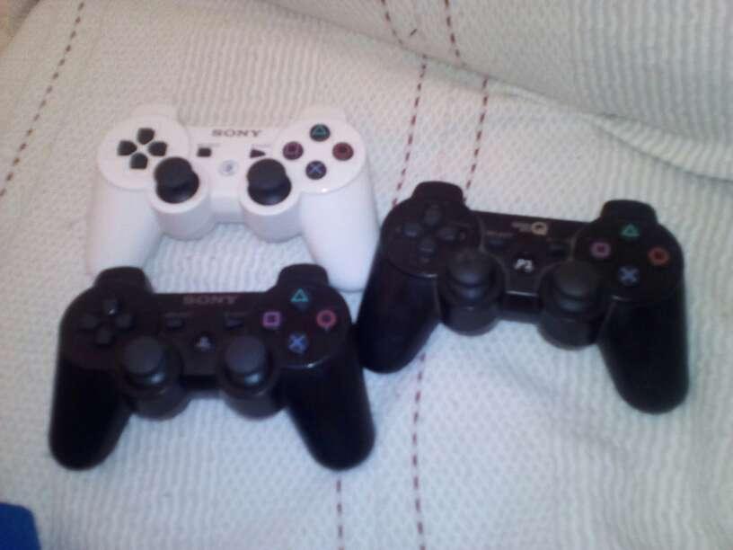 Imagen producto Oferta!!!! ps3 320gb con 4 juegos y 5 mandos  2