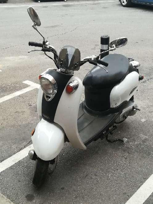 Imagen Ciclomotor