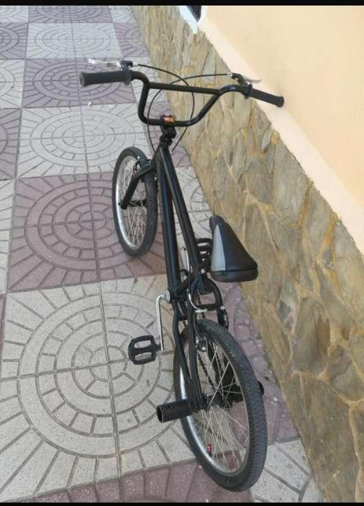 Imagen bicicleta marca moma bmx