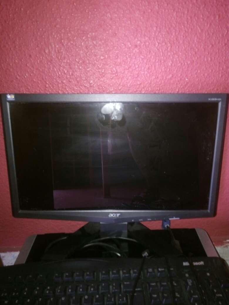 Imagen pantalla ordenador acer
