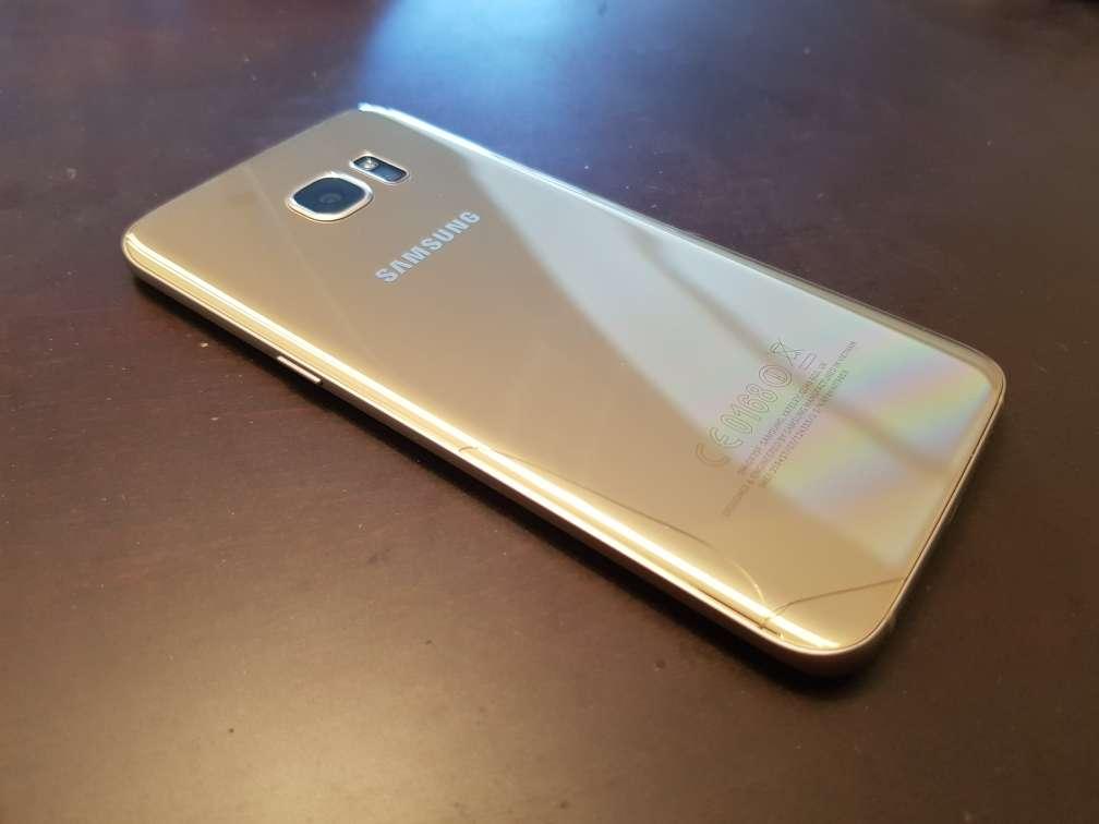 Imagen producto Galaxy S7 Edge + Funda Cargadora! 2