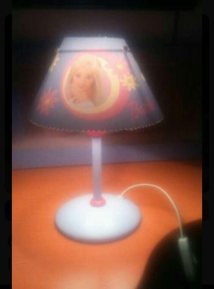 Imagen Lámpara mesa niña barbie