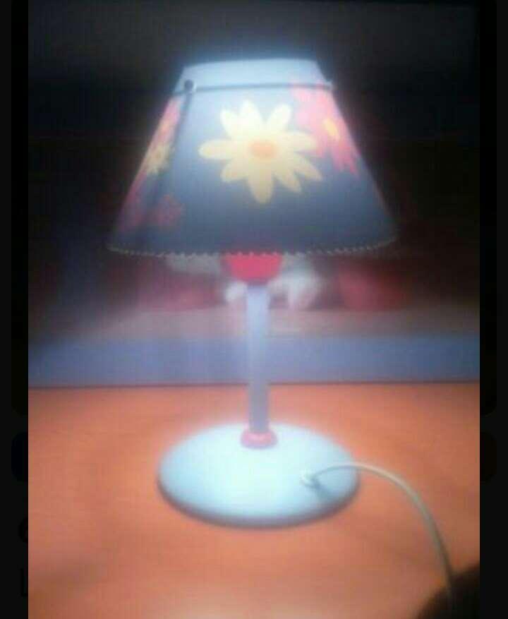 Imagen producto Lámpara mesa niña barbie 2