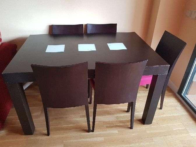 Imagen Mesa de salón con 6 sillas