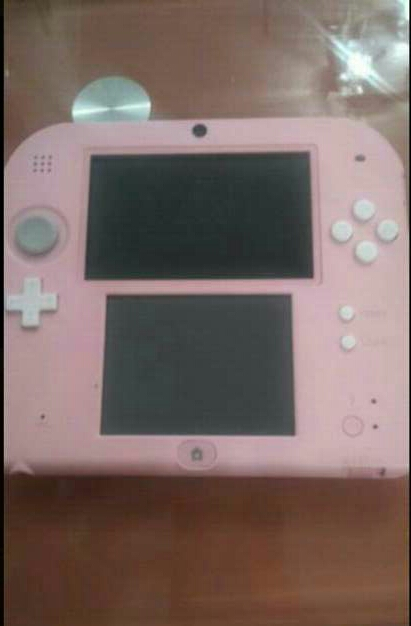 Imagen Nintendo 2 ds rosa + juego tomodachi life