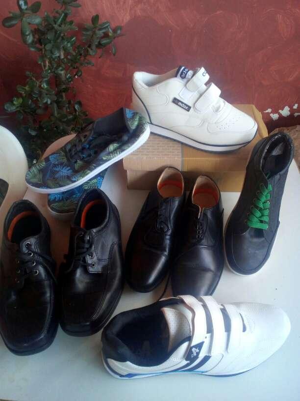 Imagen producto Partida de ropa, zapatos y calcetines. Todo nuevo. 4