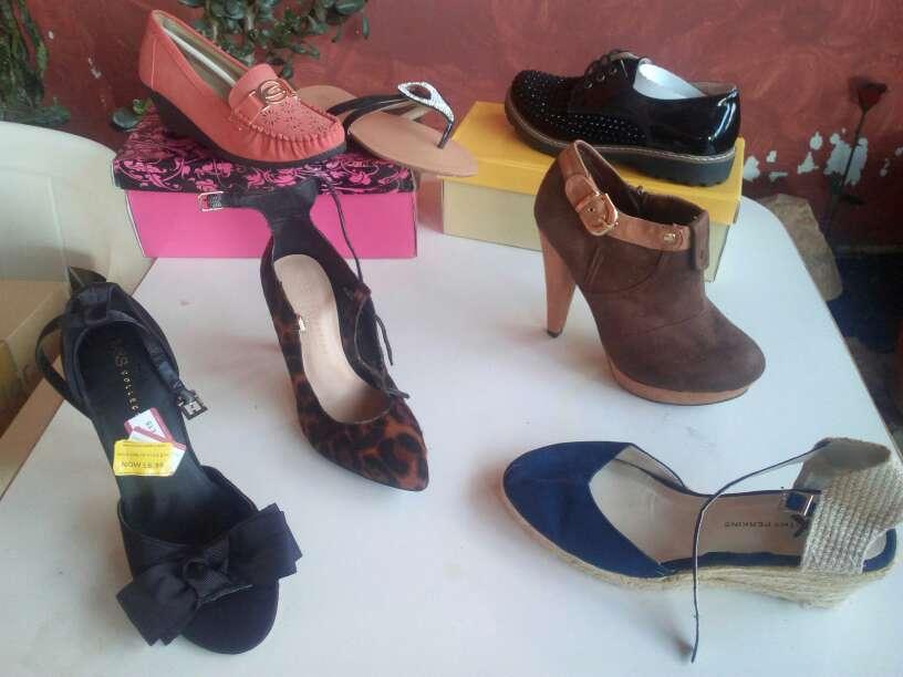 Imagen producto Partida de ropa, zapatos y calcetines. Todo nuevo. 3