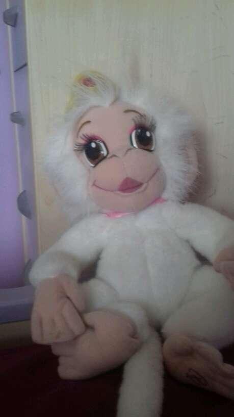 Imagen vendo muñeca que habla