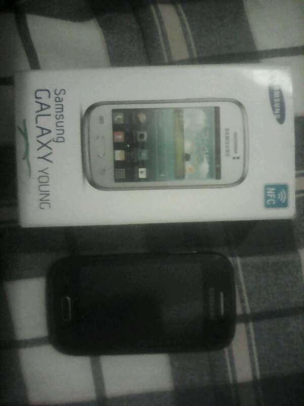 Imagen producto Samsung Galaxy Young 1