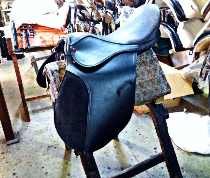 Imagen silla de montar nueva.
