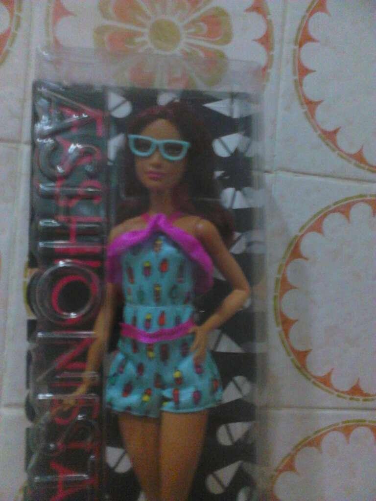 Imagen producto Barbie Fashinistas 2