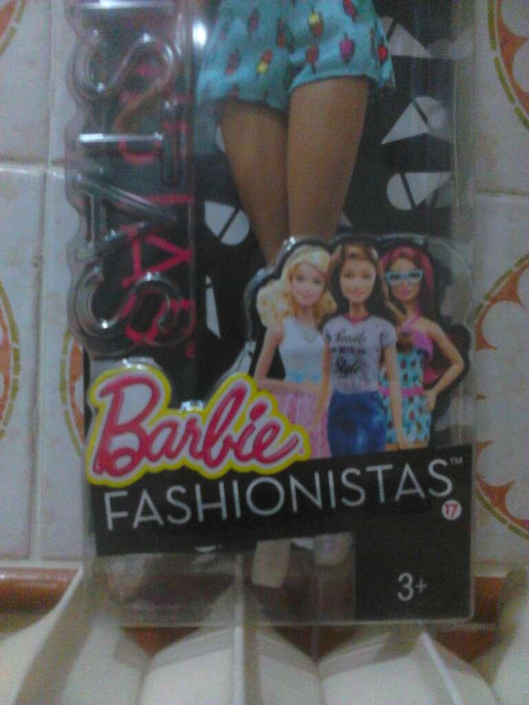 Imagen producto Barbie Fashinistas 3