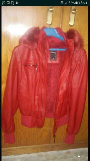 Imagen chaqueton rojo