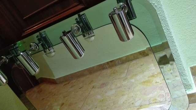Imagen producto Espejo de baño como nuevo poco uso 2