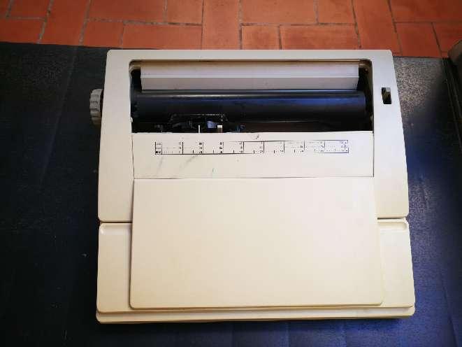 Imagen Máquina de escribir Olimpia