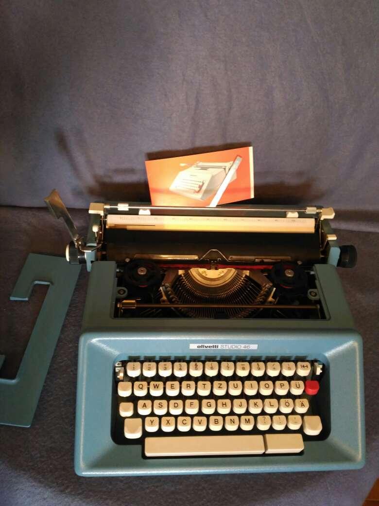 Imagen producto Maquina de escribir Olivetti studio 46 2