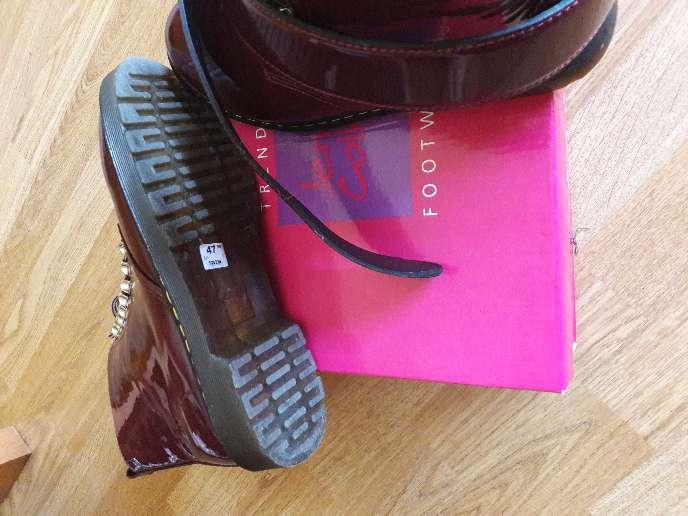 Imagen producto Botas de mujer y cinturon nuevos 3
