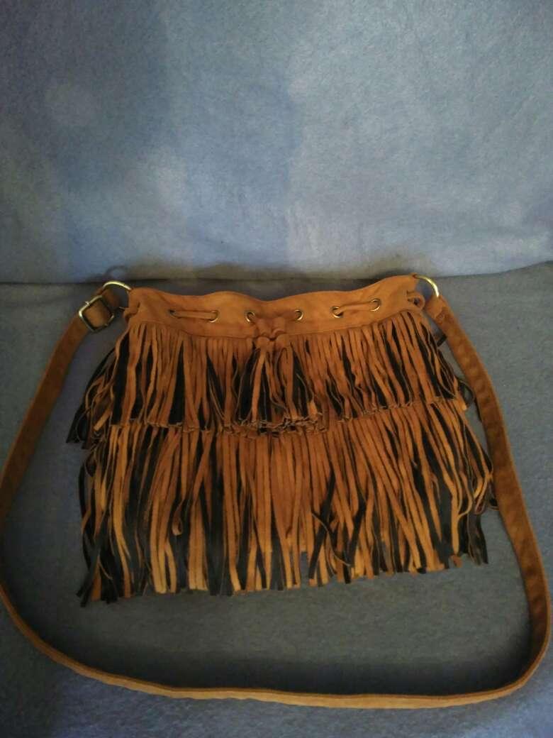 Imagen bolso marrón cintas