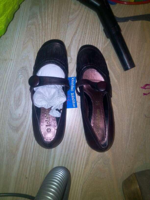 Imagen zapatos nuevos piel LOLA BLUE N38