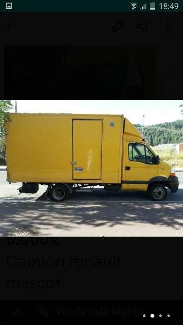 Imagen camion renault mascot