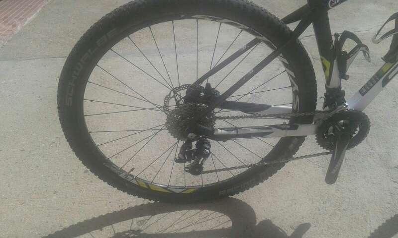 Imagen producto Bicicleta scott de montaña 3