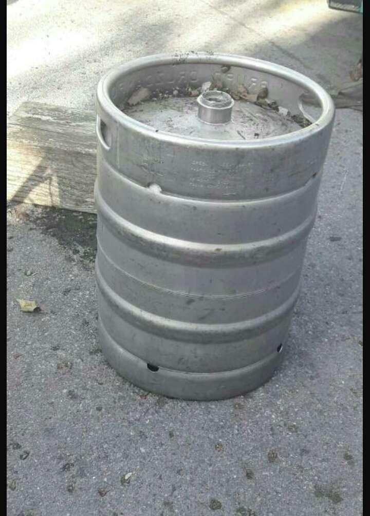 Imagen barril cerveza vacio