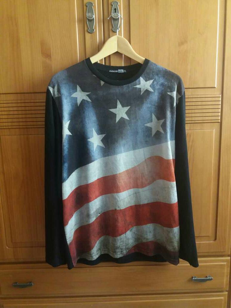 Imagen camiseta manga larga estampado bandera norte-americana