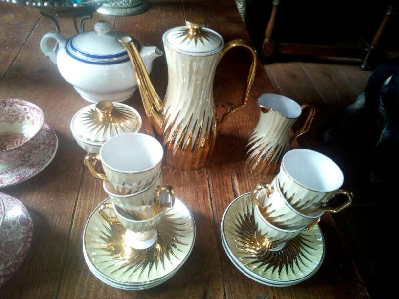 Imagen producto Juego de cafe antiguo nacarado y oro 2
