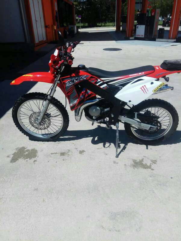 Imagen Moto marca cros