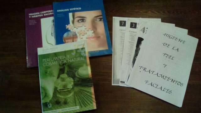 Imagen libros 1° y 2° GM estética y belleza