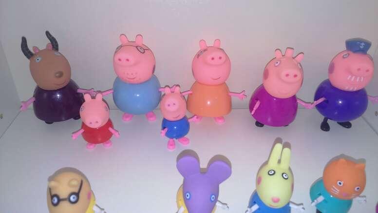 Imagen producto Set de 17 figuras peppa pig 5-8 cm 4